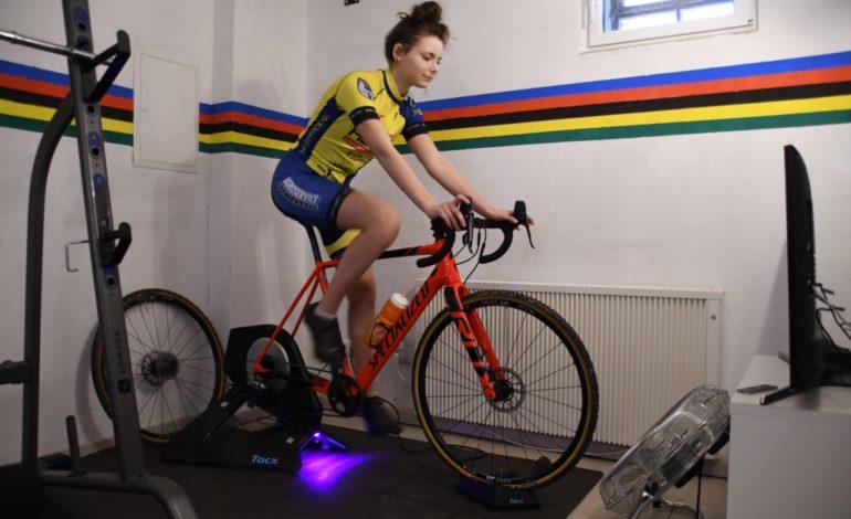 "e-Cycling ""Wahoo""-Nachwuchscup: Ventilator statt Fahrtwind – Weißenfelser Mountainbiker erfolgreich"