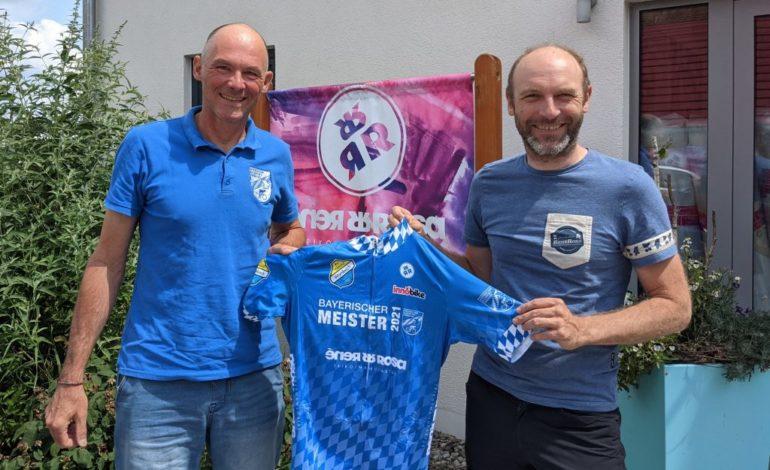 Bayerische Meistertrikots der Mountainbiker warten auf neue Besitzer