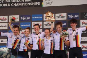 Sina van Thiel holt mit dem Team Bronze bei der MTB WM